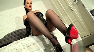 Fetish Liza Louboutin Shoejob