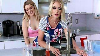 Dyked - Sexy Cougar Rachel Cavalli Teaches A Curious Teen