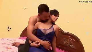 Indian Handsome Boy Sex Romance With Gf In A Room