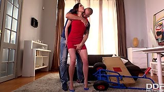 Hotness Dark Hair Girl Shagged In Her Office - Cosette Ibarra