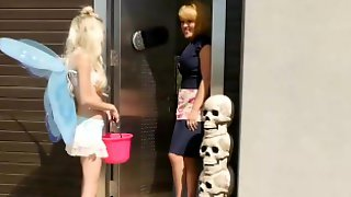 Twistys - Busty Blonde Housewife Krissy Lynn Dominates Small Pixie Piper Perri