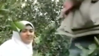 Cute Arab Girl Fucked By Uncle In Jungle Leaked Scandal