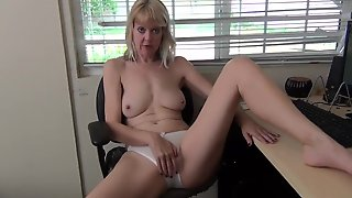 MATURE WANTS CREAMPIE