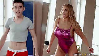 Skinny Lad Helps Juicy Blonde To Get Orgasms In The Gym
