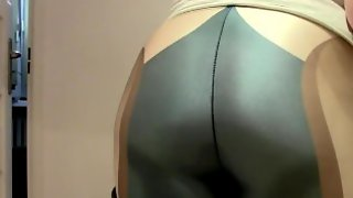 Tght Leggings Farts Clip.It Looks So Good On My Massive Tights