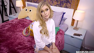 Horny Kali Roses Gives The Best Blowing On Her Knees To Her Friend