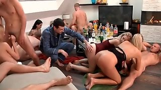 Well-hung Lad Pleases A Group Of Hot Babes By Turns