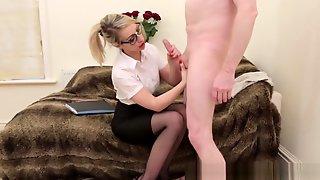 Spex CFNM Babe Sucks Dick With Passion