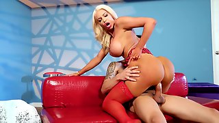 Tall Hooker Nicolette Shea Takes Care Of Big One-eyed Snake