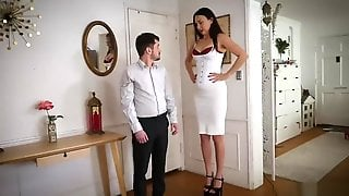 Tall Woman Date With Short Guy