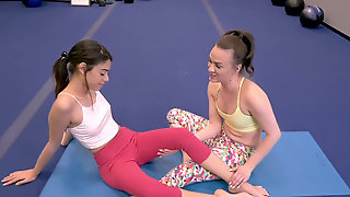 Yoga Cuties Alex More And Harmony Wonder Munch On Each Other