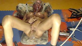 Bobbie Pumping And Orgasm.