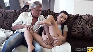 Daddy4k. Old Man Satisfied kuzya-spb.rual Needs Of His Sons Gf