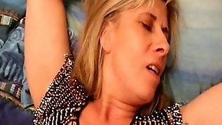 Saint Malo Slut Lisa Lickes Fistes And Then She Squirts