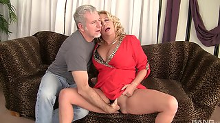 There Is No Limits For Mature Karen Summer She Likes Sex In All Poses