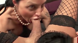Lewd MILF Banged By A This Babemale