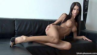 Nessa Devil - Hot Fitness Girl Solo
