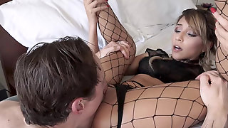 Beautiful Hime Marie Receives Hot Anal Creampie