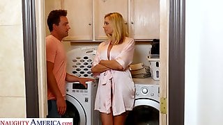 Stepson Cant Resist Fucking Super Sexy Slutty Mommy Briana Banks