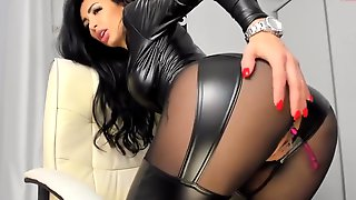 Hot Pvc Latex Leather Camgirl In Fake Leather