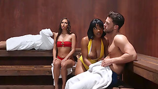 Jenna Foxx And Her Boyfriend Invite Desiree Dulce For A Truly Steamy Threesome