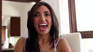 Cutie Likes Taste Of Knob With Frida Sa - Frida Sante
