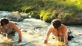 Penelope Cruz Y Salma Hayek - Bandidas