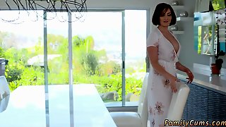 German Milf Fisting Squirt Uncle Swiftly Left And Yasmin Continued To Showcase Her Nephew