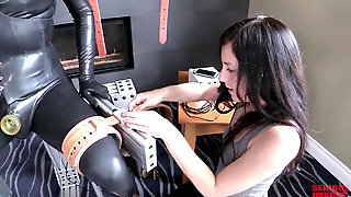 Rubber And Bondage Subjugation Elis Graves