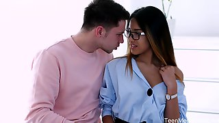 Libidinous Babe In Glasses Roxy Lips Is Fucked In Her Tight Anal Hole