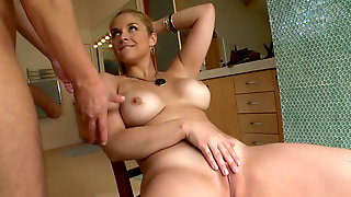 Milf With Big Booty Sarah Vandella Having A Great Time With Her Man In The Shower