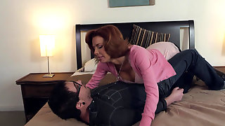 Classy Milf Veronica Avluv Bangs Her Neighbors Brains Out
