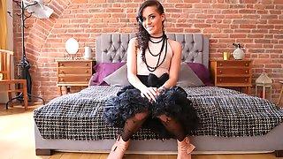 Goth Eveline: Pussy/Anal Back N Forth
