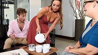 Big-bottomed Hottie Abigail Mac Provides An Awesome Oral-service