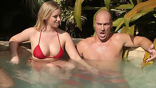 Tall Athlete Fucks A Stunning Brunette Bailey Brooke In The Small Pool