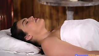 Oiled Brunette Hannah Vivienne Opens Her Little Hole For A Horny Masseur
