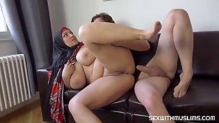 Bbw Muslim Milf With Bouncing Tits