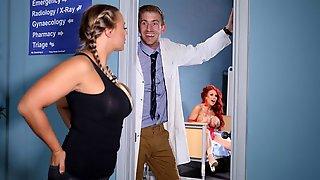 Redhead MILF With Huge Boobs Jennifer Keelings Likes His Giant Dick