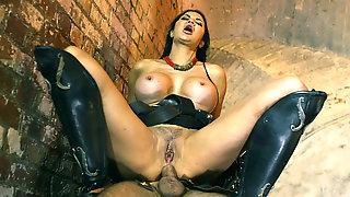 Big Breasted Mom Jasmine Jae Loves Hot Anal Riding