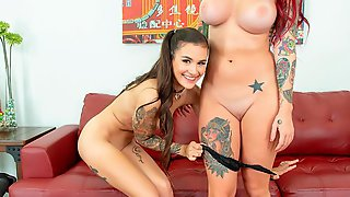 Tattooed Hottie Luna Lovely Is Having Sex With Her Slutty Gf