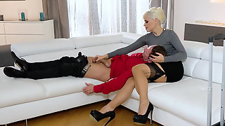 Ukrainian Stepmom Vittoria Dolce Shows Her Daughter How To Properly Handle Hard Dick