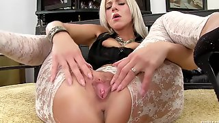 Steamy Blond Hair Babe Spreading Slit - Nathaly Cherie