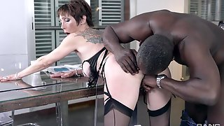 Tight Mature Gets Her First BBC In Ages