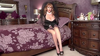 Black Widow Ginger Gets A Mouthful By Blowing Her Step-Son.