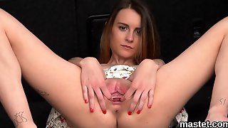 Sexy Czech Girl Spreads Her Wet Quim To The Extreme