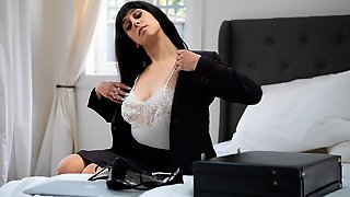 Gorgeous Busty Brunette Violet Russo Stimulates Her Little Wet Crack