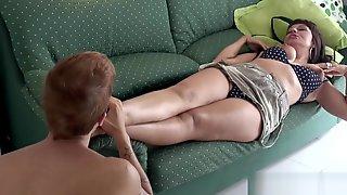 Sonia Rox Dirty Feet Cleaning