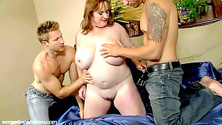 Slutty Plump Mummy Seana Rae Pounds Her Sons-in-law Friends