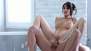 Diana Prince Gets Anal Fucked After Massage