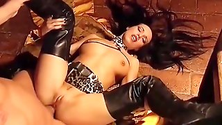 Babe In Leather Thigh High Boots Gets Ass Fucked